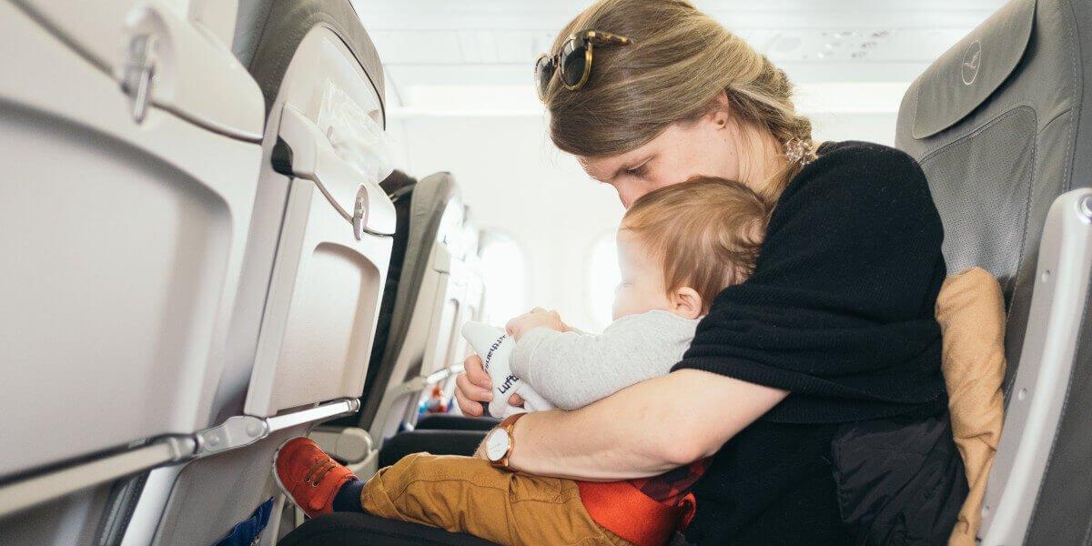 op reis met baby